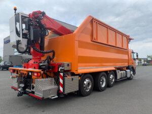 Baumpflege / Muldenfahrzeug Volvo hinten orange