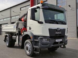 LKW Pavic - Kran Kipper Fahrzeuge - MAN orange vorne links
